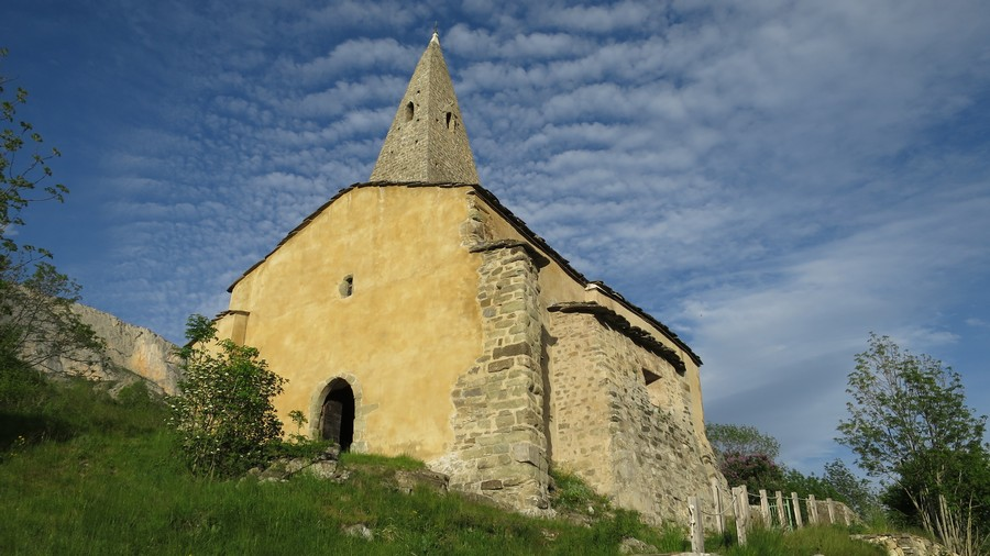 Dévoluy patrimoine Mère Eglise montagne nature Hautes-Alpes