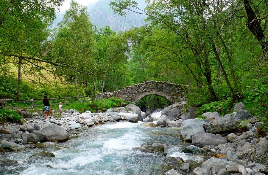 randonnée balade familiale Valgaudemar Ecrins accompagnateur montagne nature oulles du diable